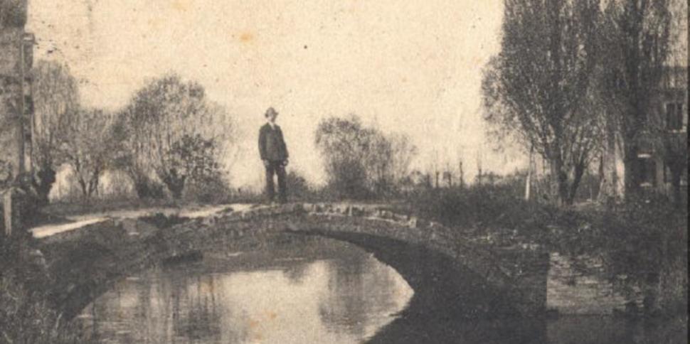 Ponte di via Castelvecchio sul ramo Campana dietro l'ex Ospedale Umberto I