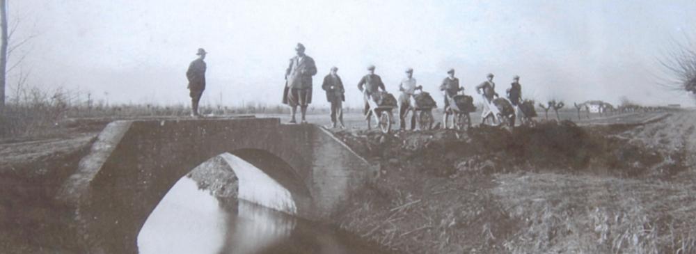 1925 ca. Località Zuccarello, ponte sul fiume Dese.